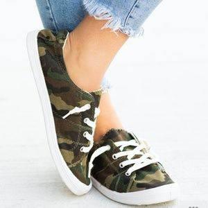 Shoes - NEW -  CAmo Print lace up Sneakers